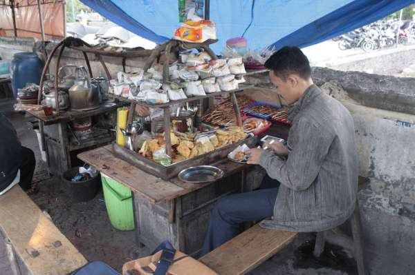 Angkringan Kopi Joss Tugu Yogyakarta