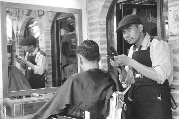 GOODWILL Gentlemen Haircuts