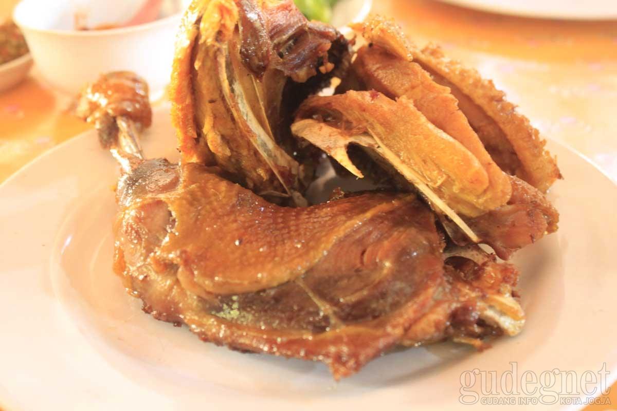 Ayam Goreng Mbah Cemplung Yogyakarta