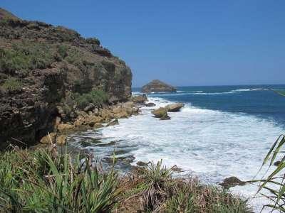 Pantai Jogan: Keheningan di Tengah Laut Yogyakarta