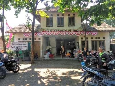 Pasar Gedongkuning Yogyakarta