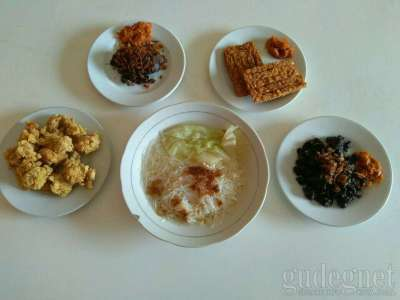 Warung Sop Empal Yoeni