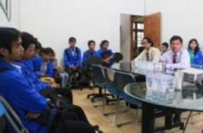 Akademi Komunikasi Radya Binatama (AKRB)