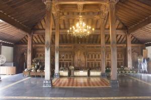 Tembi Rumah Budaya: Bale Inap Bernuansa Budaya Jawa