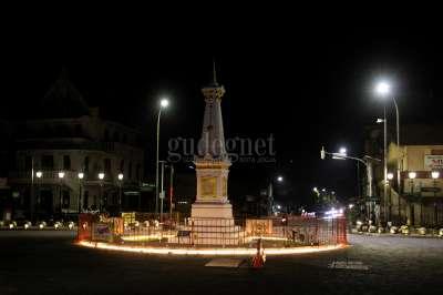 Tugu Pal Putih Yogyakarta Malam Pertama PPKM Darurat