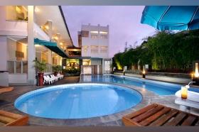 Cakra Kusuma Hotel's Swimming Pool