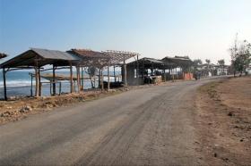 Jalan menuju Pantai Sepanjang Yogyakarta