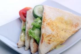 Sandwich yang nikmat dan menggugah selera di Discovery Cafe
