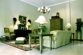 Ruang tamu di Villa Pakem