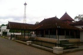 Masjid Pathok Negara Sulthoni Plosokuning  1