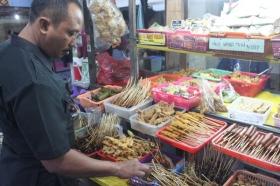 Pengunjung dapat Memilih Sendiri Makanan yang Diinginkan