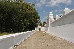 Makam ini didirikan antara 1632 - 1640M oleh Sultan Agung Adi Prabu Hanyokrokusumo