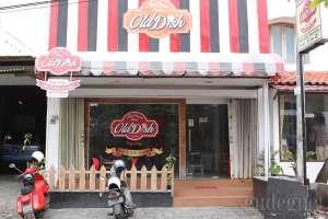 Bagian depan restoran ice cream Tip-Top versi baru