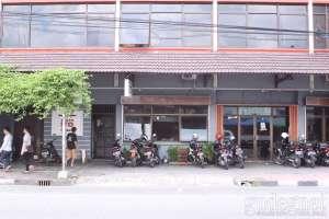 Tampilan muka rumah makan bakso ITO di Jogja