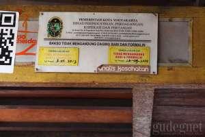 Sertifikasi halal bahwa warung bakso ini tidak mengandung daging babi