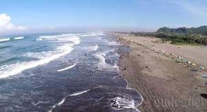 Foto pantai Parangtritis menggunakan drone