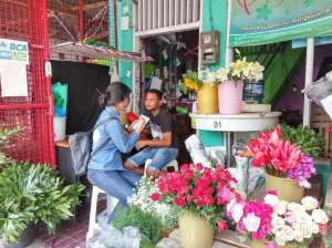salah satu kios pasar kembang kotabaru
