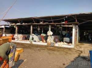 Pusat pemotongan ayam di Pasar Terban