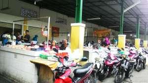 Los penjual daging, ikan, dan ayam di Pasar Colombo