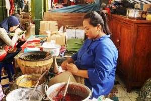 Penjual jenang mote yang legendaris di pasar Lempuyangan