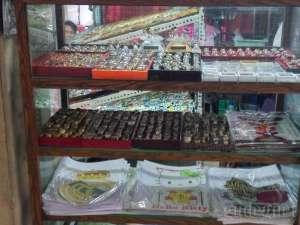 Salah satu barang antik yang dijual di pasar Klithikan Yogyakarta