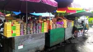 Oleh-oleh khas Jogja seperti bakpia juga tersedia di Pasar sore Malioboro.