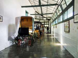 Suasana di dalam  Museum Kareta Kraton Yogyakarta