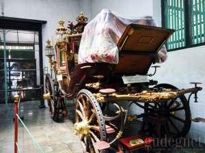 Kareta kencana yang digunakan untuk penobatan Sultan yaitu Kyai Garuda Yeksa