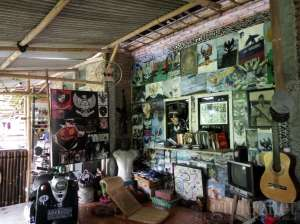 Koleksi di Museum Rumah Garuda