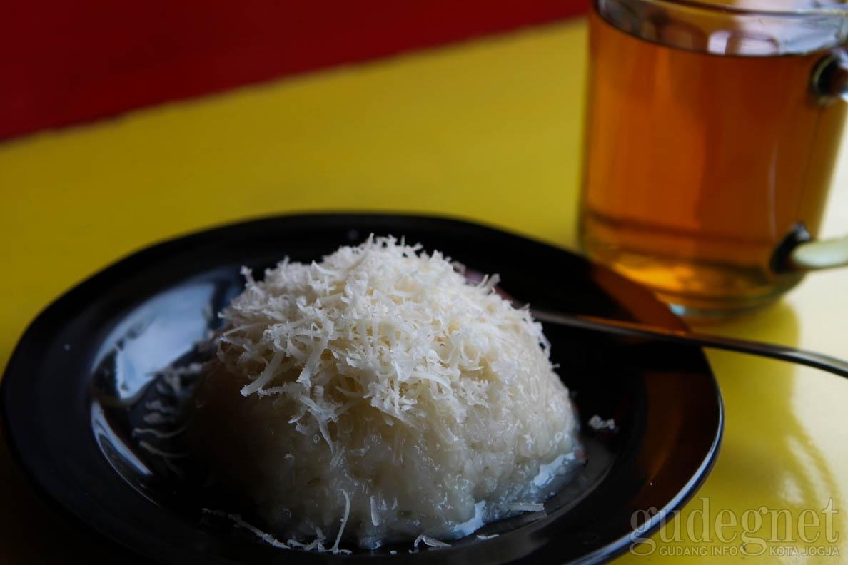 Nikmatnya Tansu Story, Ketan Susu dengan Topping Keju Hingga Durian