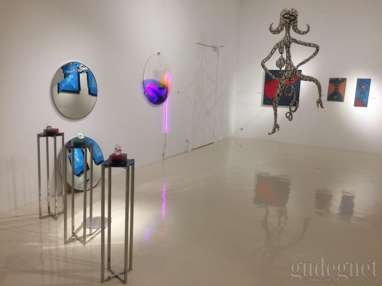 Medium at Play, Pameran Seni Rupa dengan Berbagai Media