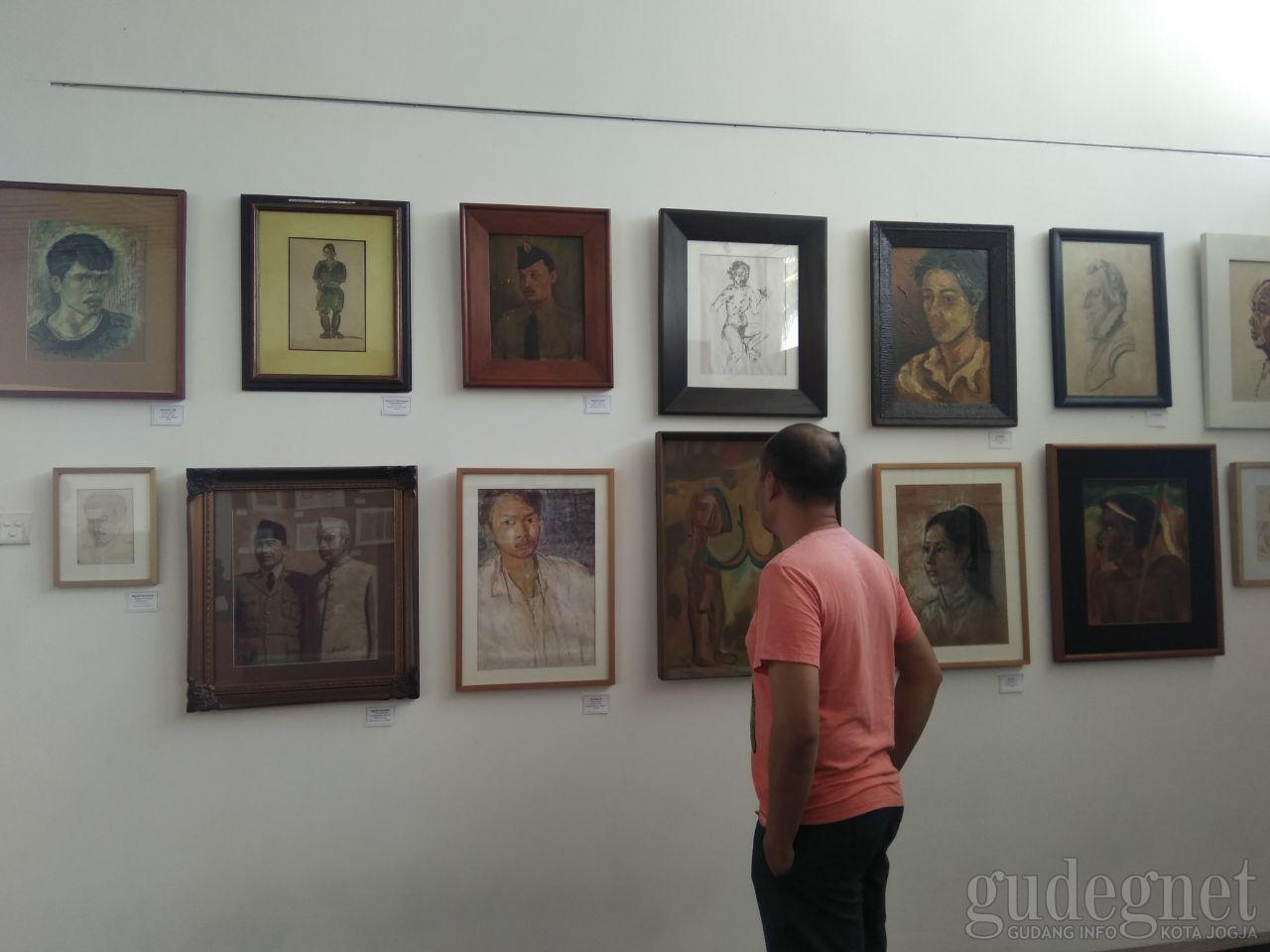 """Nasirun Gelar Koleksi """"Jas Merah"""" Nya Di In Art House"""