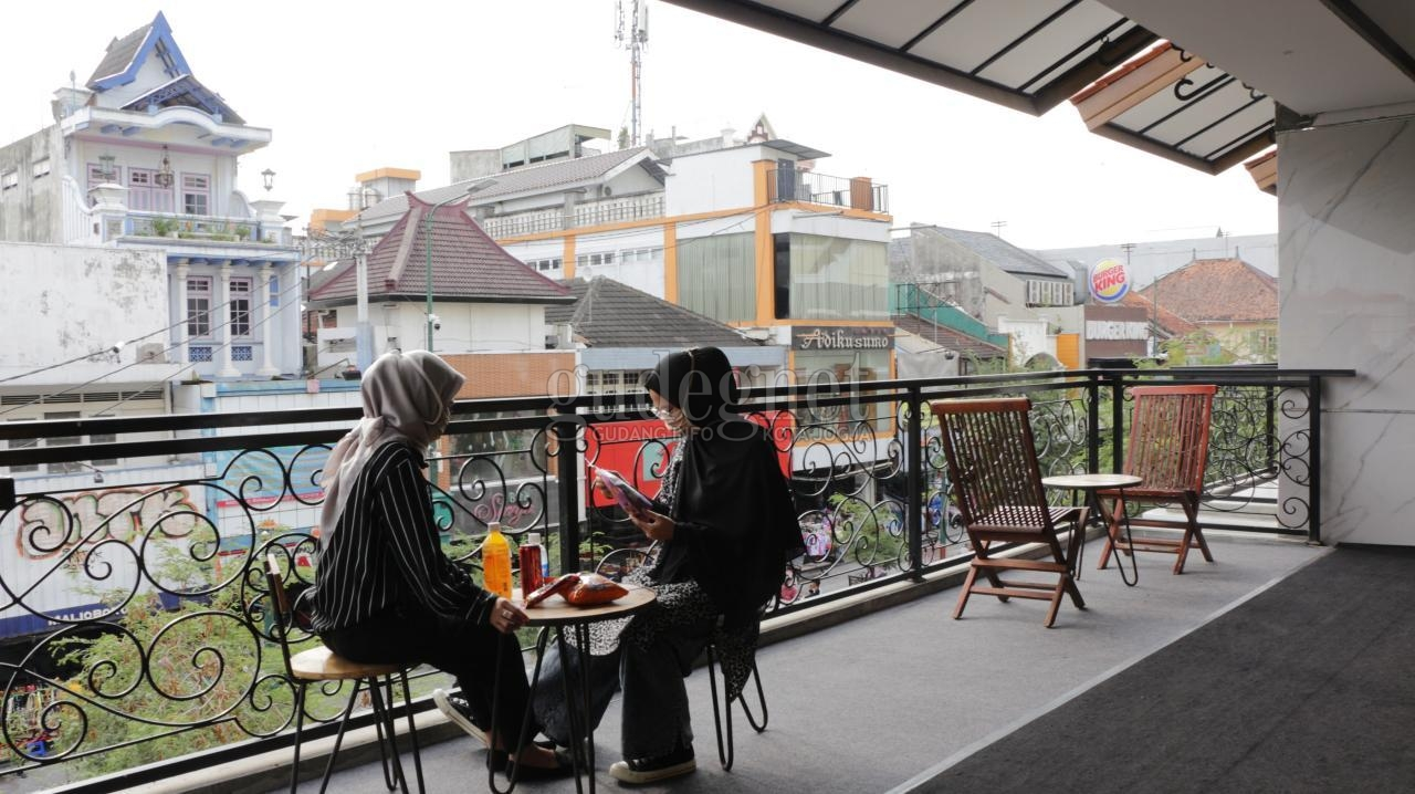 'Terase Jogja' Malioboro Mall, Student Lounge dengan Pemandangan Jalur Pedestrian