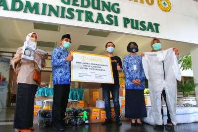 Hellofit Salurkan Donasi Alat Medis ke RS Sardjito