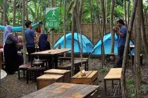 Menikmati Hidangan Sambil Camping di Puncaknya Jogja