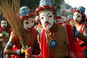 Ribuan Peserta dan Penonton Pawai Mesemeleh FKY#30 Padati Malioboro
