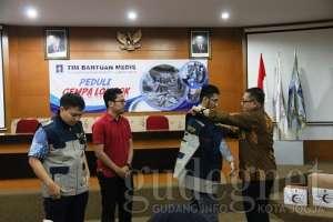 UII Berangkatkan Tim Relawan Kloter I ke Lombok