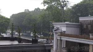 Update Peringatan Dini BMKG: Hujan Sedang-Lebat Disertai Angin dan Petir