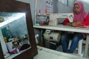 Jelang Lebaran, Produsen Hijab Kebanjiran Pesanan