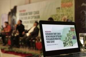 Ribuan Buruh Linting Tembakau Yogyakarta Terancam PHK