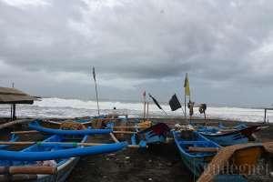 Gelombang Tinggi Pantai Selatan DIY, Nelayan Tidak Bisa Melaut