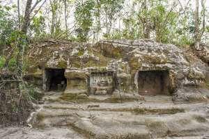 Gua Sentono, Gua Pertapaan Hindu di Tenggara Candi Abang