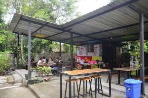 Sarapan Akhir Pekan: Pesepeda dan Sayur Lombok Ijo