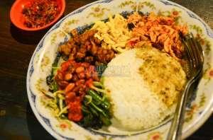 Mencicipi Lezatnya Masakan Khas Bali di Dapur Cening
