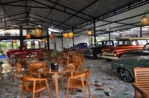 Classic Coffee, Ngopi di Tengah Mobil-mobil Antik