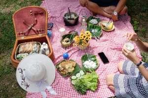 Rumah Matahari: Penginapan, Piknik Lunch, hingga Family Camp